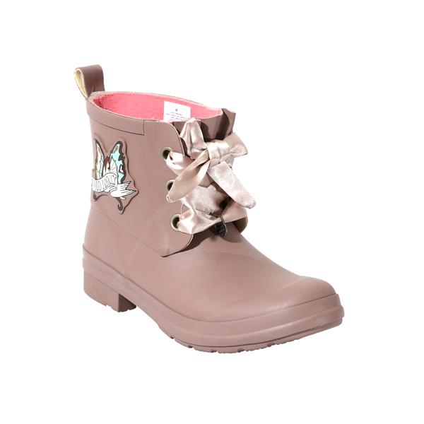 女士粉红色橡胶鞋与鞋带